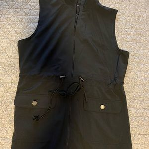 Riders by Lee women's black vest, size small